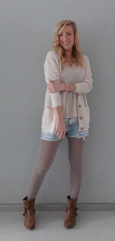 OOTD-outfit-of-the-day-what-im-wearing-look-style-fashion-date-comfy-casual-jeans-shorts-waisted-scheuren-broekje-vest-pastel-nude-2