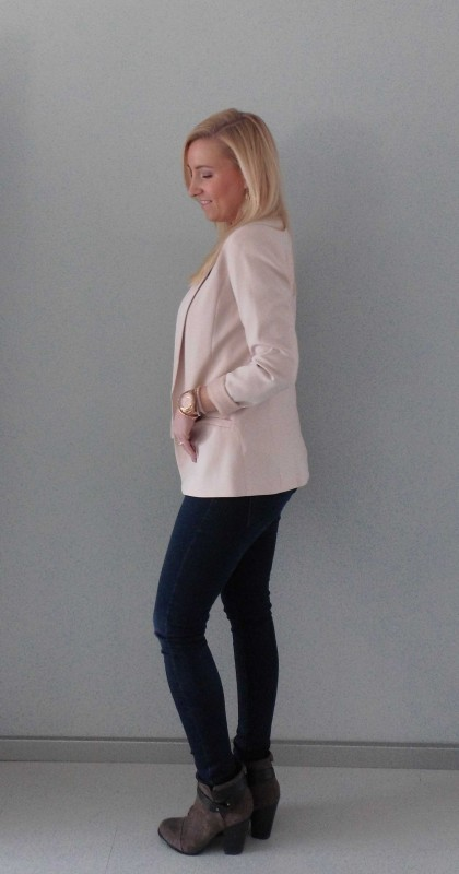 ootd-outfit-of-the-day-what-im-wearing-colbert-jacket-pink-nude-roze-basic-classic-jeans-denim-boots-budget-2