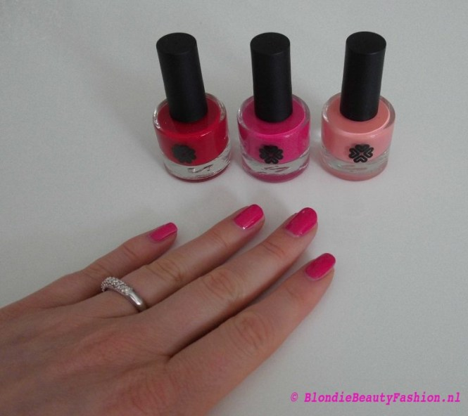 review-Lily-Lolo-nagellak-Carnival-miss-scarlet-soft-coral-test-swatch-4