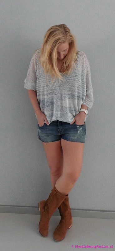 OOTD-outfit-jeans-shorts-sweater-slouchy-top-boots-festival-casual-day-dag-3