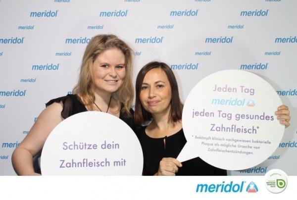 Melissa und Kathy in der Fotobox