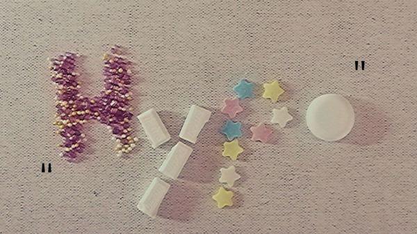 Hypo Schriftzug mit Süßigkeiten