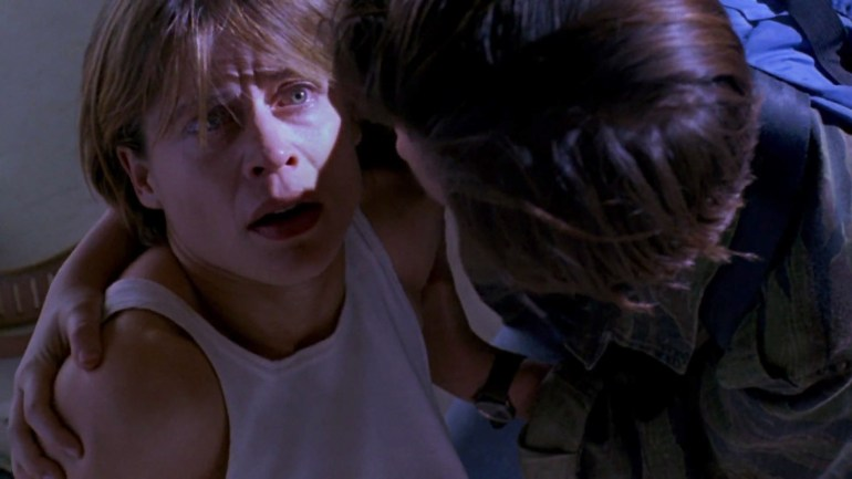 linda-hamilton-sarah-connor-and-edward-furlong