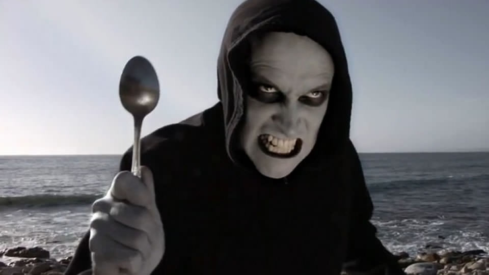 Ginosagi, the spoon demon from The Horribly Slow Murderer with the Extremely Inefficient Weapon