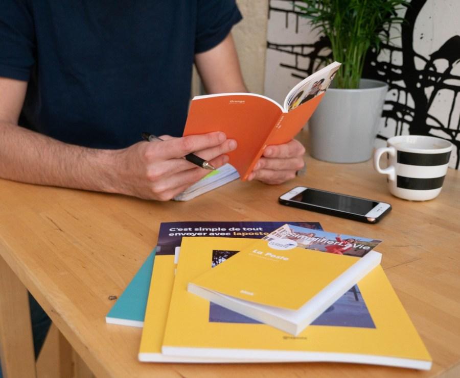 Employee reading blook during break helps employee advocacy