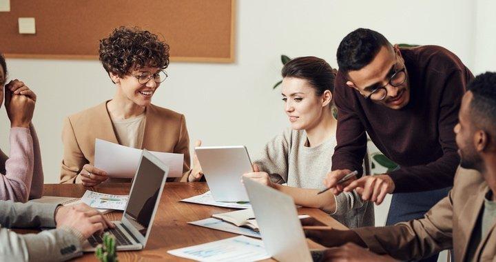 Le questionnaire QVT et plus globalement la démarche d'enquête QVT dans lequel il s'inscrit sont des opportunités de dialogues avec les employés.