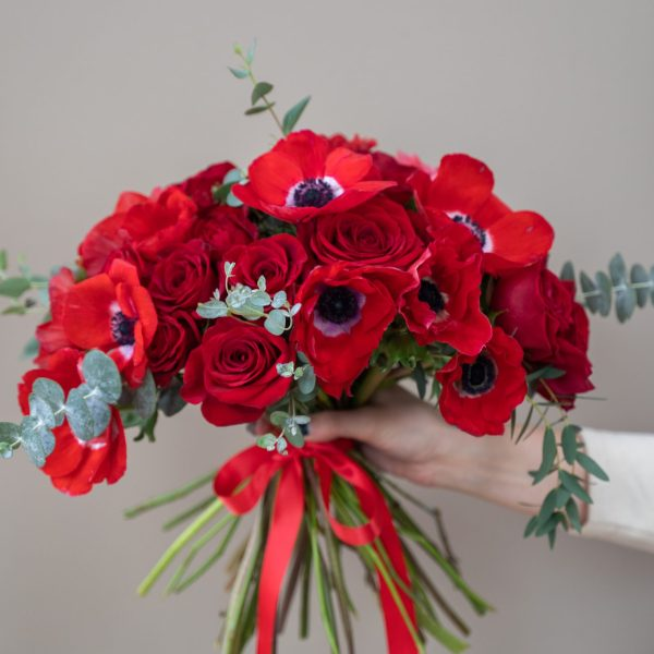 red flowers bouquet