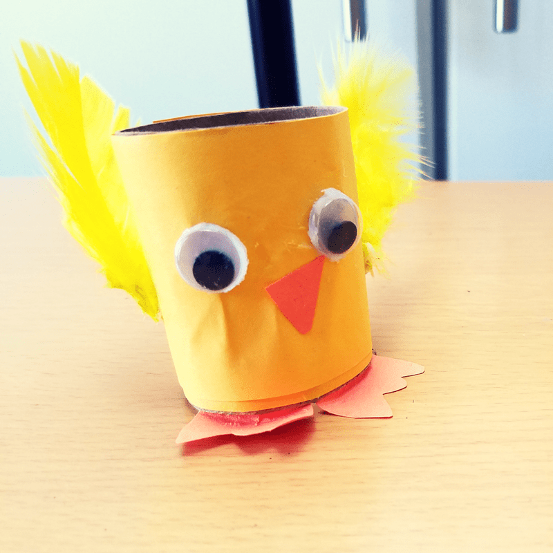 One thing I love about spring is the growth and new life that emerges. Spring is a symbol of new beginnings and rebirth in my eyes. What says spring more than chicks? That is why we are sharing this simple and adorable spring chicks craft. #Craftsforkids