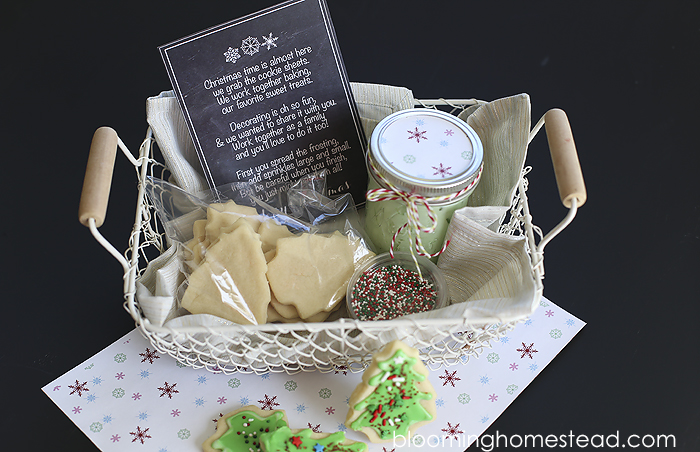 Christmas Cookie Decorating Kit   Blooming Homestead Christmas Cookie Decorating Kit with free printable from Blooming Homestead    Christmas   gift ideas