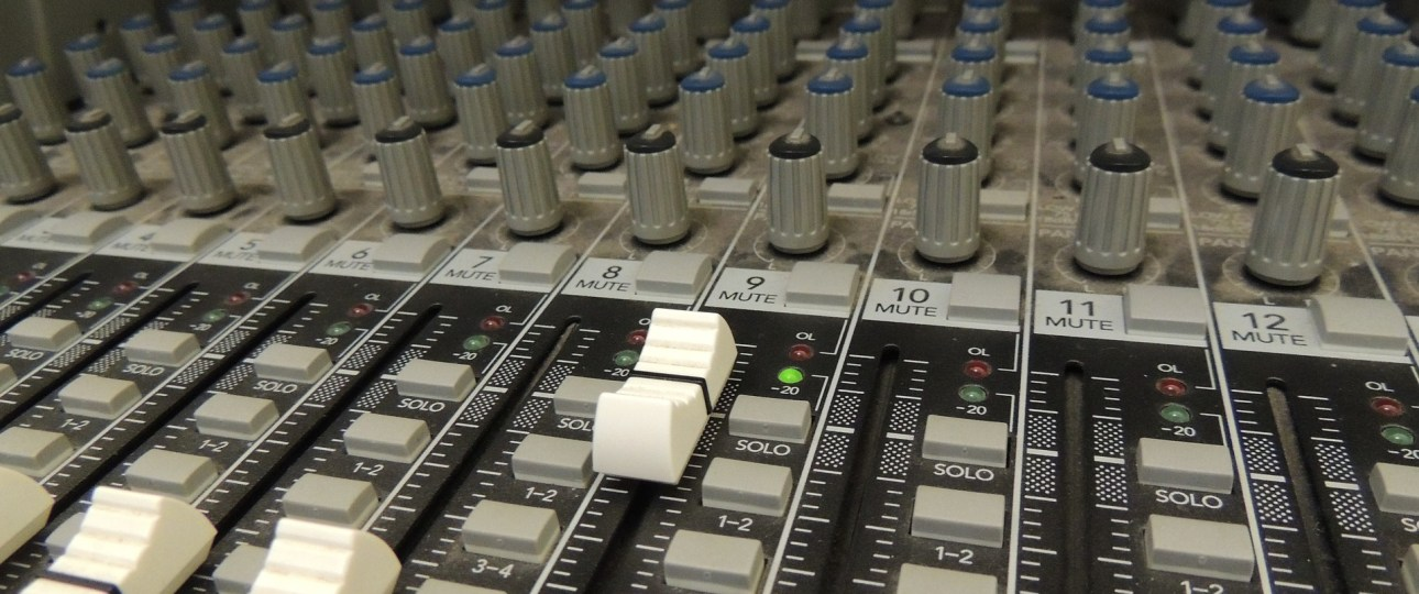 audio mixer buttons