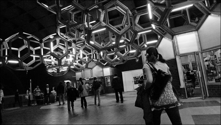 Very streamlined. Metro Namur.
