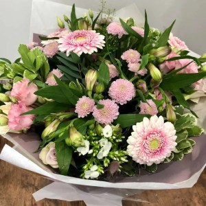 boxed flower bouquet pink white 1