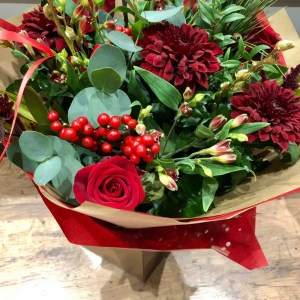 cosy christmas fresh flower bouquet 1