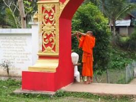 temple muang ngoi