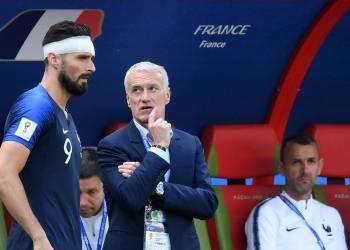 Deschamps donne les consignes à Giroud