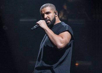 AUSTIN, TX - OCTOBER 03:  Rapper Drake performs onstage during weekend one, day two of Austin City Limits Music Festival at Zilker Park on October 3, 2015 in Austin, Texas.  (Photo by Rick Kern/WireImage)