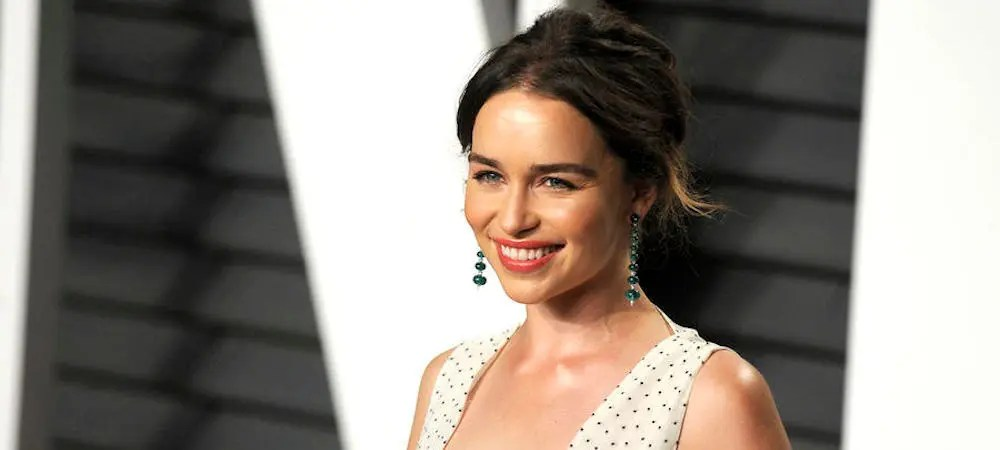 Emilia Clarke prend la défense du final de Game of Thrones