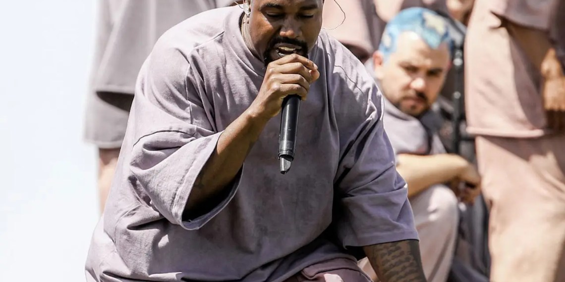 Kanye West annonce un Sunday Service surprise pour la Fashion Week de Paris
