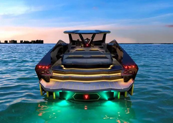 Lamborghini débarque sur l'eau avec un yacht puissant