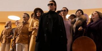 5 choses à savoir sur Halston, le créateur de la nouvelle série Netflix