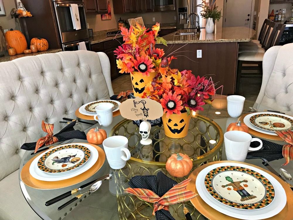 2 Wickedly Thrifty (& last minute) Halloween Tablescapes