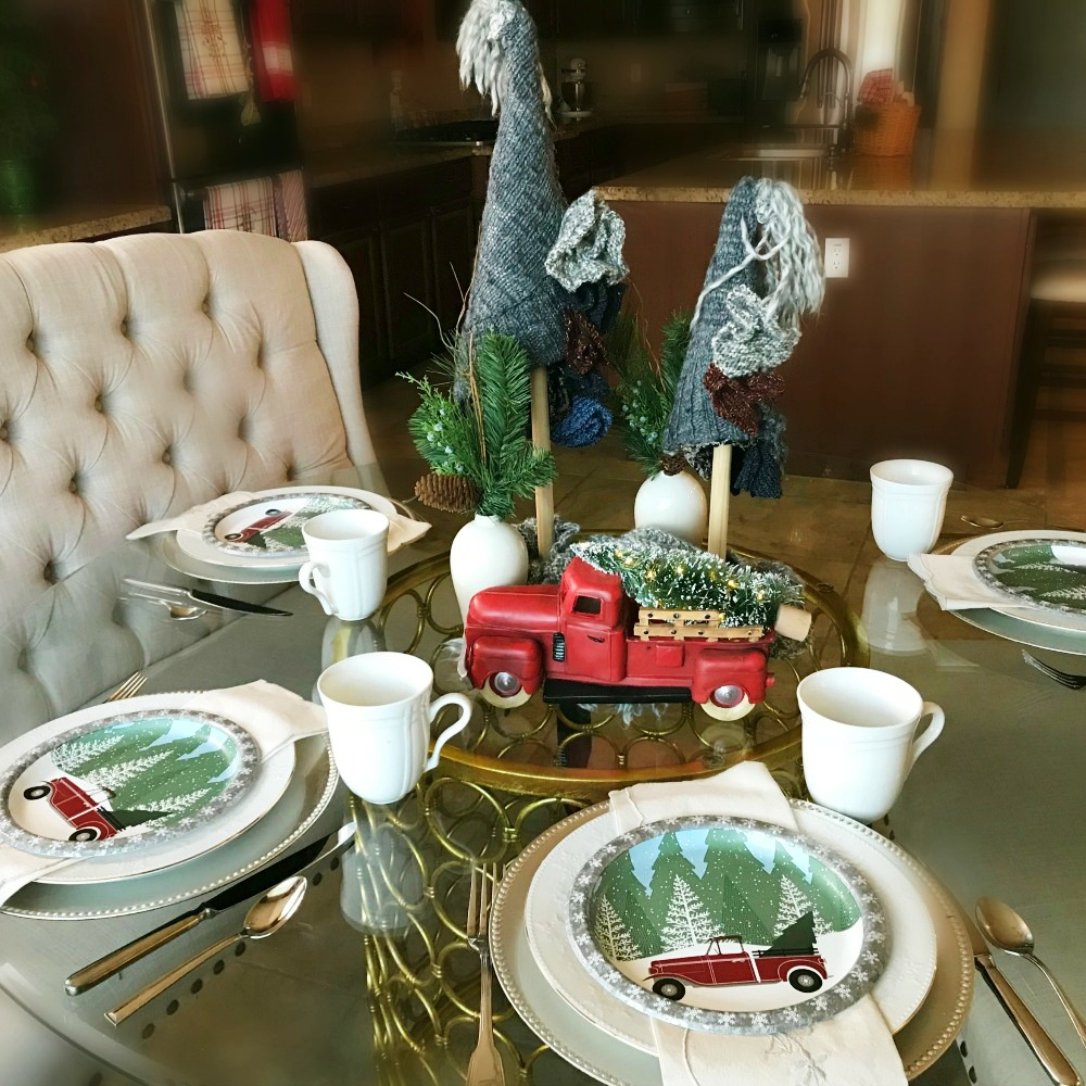 Sweater Weather Holiday Table Setting | blowingawayoutwest.com - Inspiring Sweater Weather Christmas Table setting #christmastabledecor #christmastabledecorations #christmastablescapes #christmastabledecorations #christmastablecenterpiece #sweaterweather #12daysofchristmas #sweatertrees