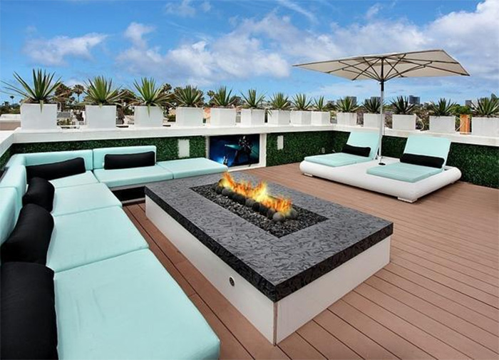 Luxurious House Design With Modern Roof Terrace