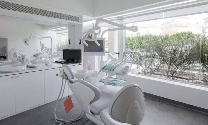 Small Dental Clinic Interior Design