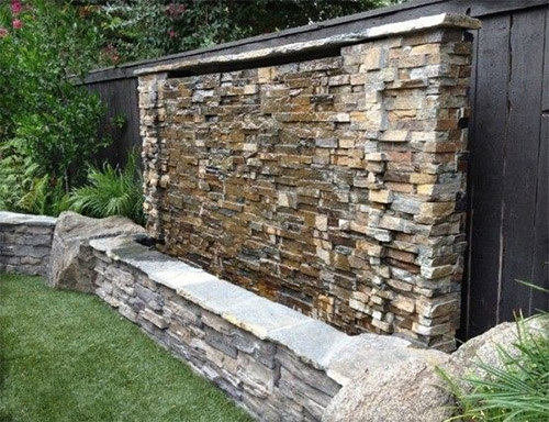 Amazing Outdoor Water Wall