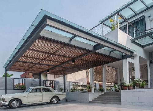Elegant Car Porch