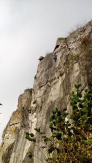 Kletterer im Dolomitfels