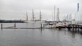 Marinehafen der Bundeswehr in der Kieler Förde