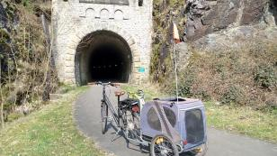 Alter Eisenbahntunnel bei Neuenburg