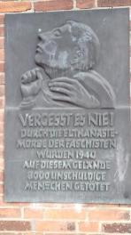 Mahnmal an der KZ-Gedenkstätte