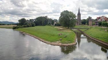 Blick von der Weserbrücke Richtung Altem Hafen