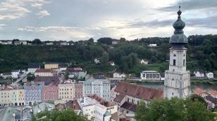 Am anderen Ufer der Salzach beginnt Österreich