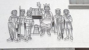 Darstellung zum Thema Königsstuhl an einer Häuserwand in Rhens