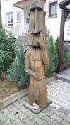 Skulptur an einem Wohnhaus in Kiedrich