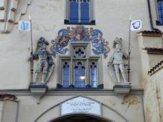 Torwächter am Eingang zum Schloss Hohenschwangau