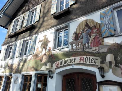 Aufwändige Fassadenmalerei - ein Kennzeichen des Allgäus