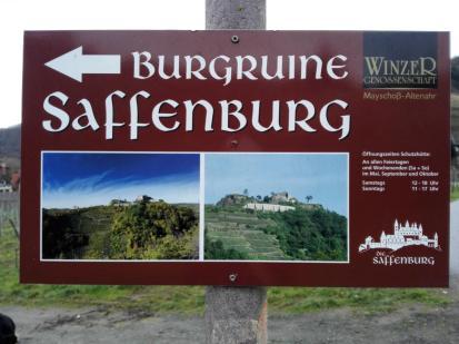 Unser erstes Wanderziel: Die Burgruine Saffenburg