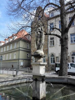 Brunnen in der Einkaufsstraße