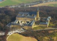 Luftbild des Klosters Banz (Foto: von Presse03 | http://commons.wikimedia.org | Lizenz: CC BY-SA 3.0 DE)