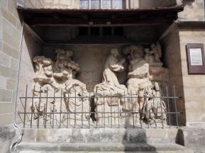 Heiligengruppe an der Stadtpfarrkirche St. Veit