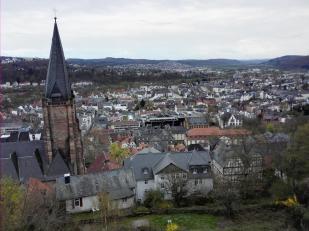Blick hinunter auf die Stadt