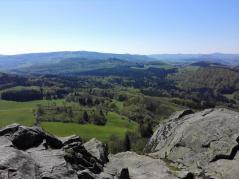 Blick von der Spitze der Milseburg zur Wasserkuppe