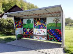 Hübsche Bushaltestelle in Riedenberg