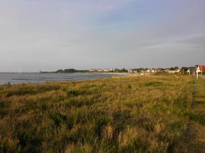Blick von der Strandpromenade auf Glowe