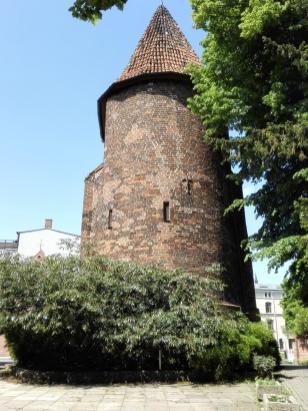 Der alte Wasserturm im Lindengarten
