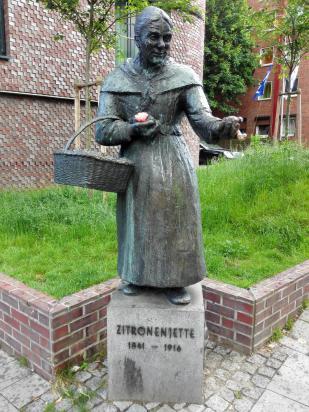 """Denkmal für Henriette Johanne Marie Müller – genannt die """"Zitronenjettel"""""""